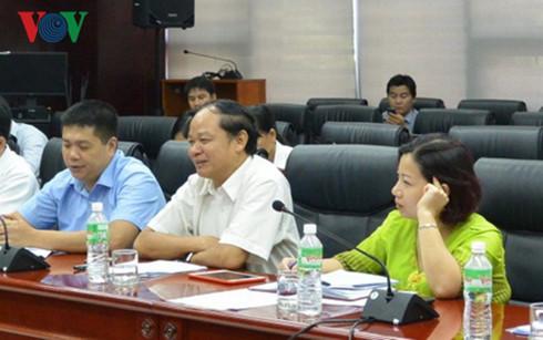 Thứ trưởng Bộ kế hoạch và đầu tư Đào Quang Thu (ngồi giữa) tại buổi làm việc với UBND thành phố Đà Nẵng