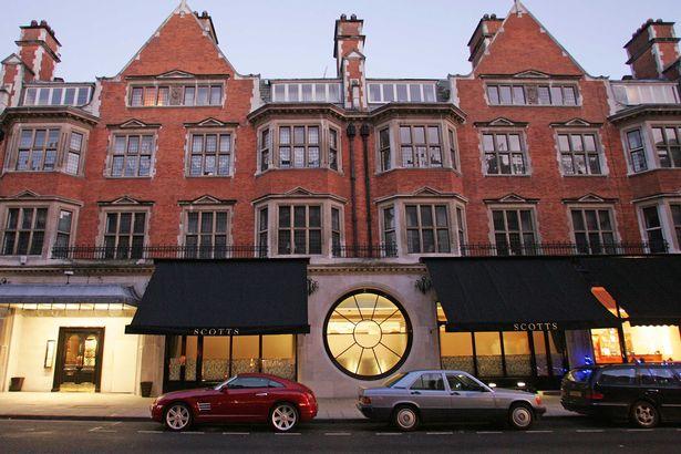 Nhà hàng Scotts, tọa lạc trên phố Mount, là lựa chọn phổ biến của nhiều người tại Anh.