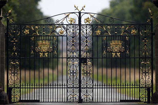 Cánh cổng để đến với khu đất rộng 11.500 mẫu (tương đương 4.653 hécta)