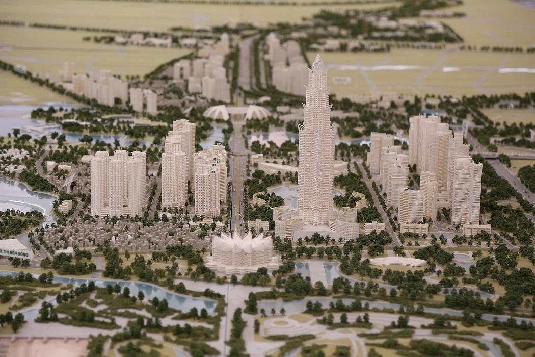 Trọng tâm của quy hoạch là khu vực là tháp tài chính thương mại Phương Trạch với chiều cao dự kiến tối đa khoảng 108 tầng. Đây sẽ là công trình đa năng, kiến trúc hiện đại gắn với bản sắc văn hoá truyền thống dân tộc, mang tính biểu tượng cao.