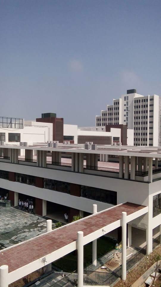 Nhìn từ trên cao không ai nghĩ đây là trường học, nhà đầu tư đã phát triển một khu phức hợp giáo dục theo tiêu chuẩn quốc tế.