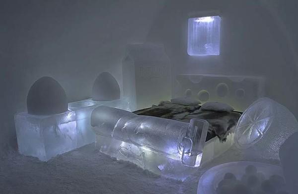 Hay trải nghiệm thú vị với chiếc giường băng lạnh giá này.