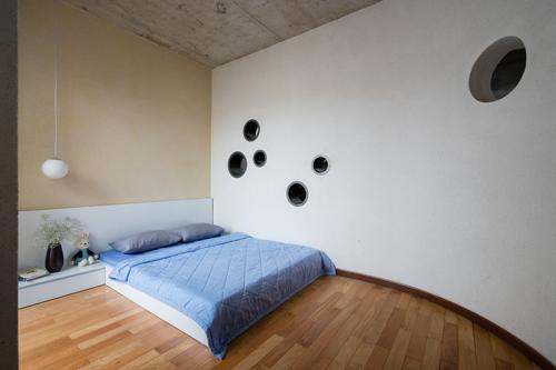 Không gian nghỉ ngơi riêng tư trong nhà được thiết kế đơn giản nhưng vô cùng thoáng đãng và sạch sẽ.