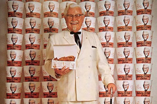 """Dù gặp phải nhiều khó khăn nhưng điều """"cha đẻ"""" của KFC theo đuổi không phải tiền bạc mà là đam mê ẩm thực"""