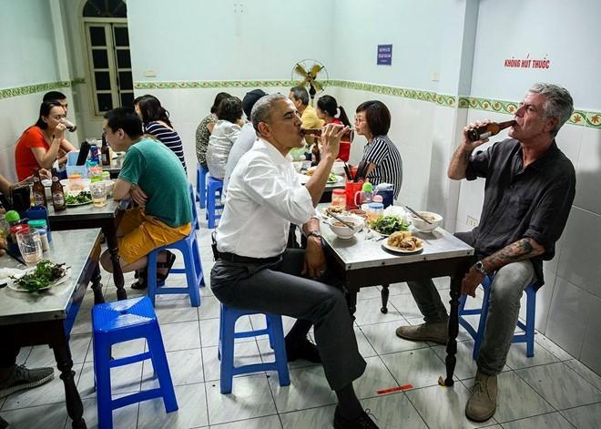 Kết quả hình ảnh cho obama ăn bún chả