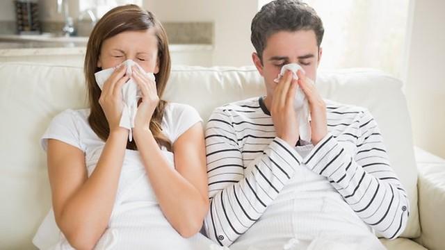 Bạn rất dễ ốm khi thời tiết giao mùa.