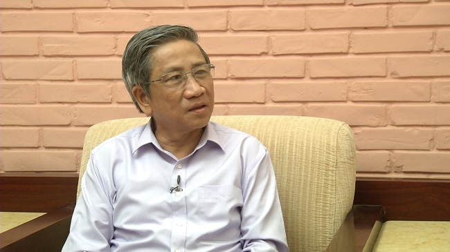 GS Nguyễn Minh Thuyết đang trao đổi với chuyên mục Góc nhìn thẳng (ảnh: VietNamNet)