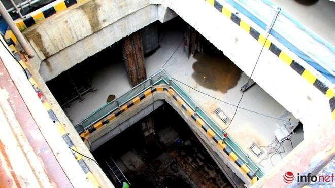 Là một trong những hạng mục quan trọng nhất của dự án tuyến metro số 1 (Bến Thành - Suối Tiên), công trình nhà ga ngầm tại Nhà hát Thành phố (quận 1) đang được thi công gấp rút.