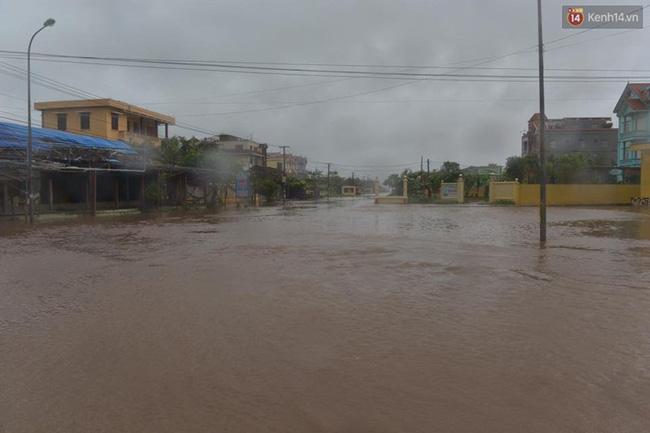Nhiều nơi ở Nam Định đã chìm trong biển lũ. Ảnh: Phương Thảo