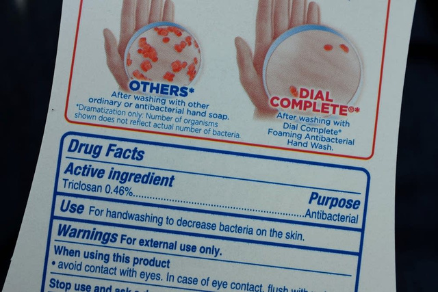 Triclosan, triclocarbon và 17 hóa chất khác có trong xà phòng diệt khuẩn bị cấm.