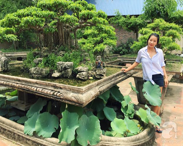 Chân dung bà chủ vườn xinh đẹp bên những gốc cây bonsai hơn chục năm tuổi.