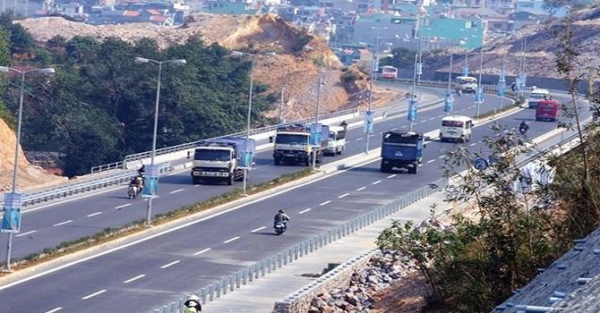 Một đoạn trên Quốc lộ 18, tuyến huyết mạch của tỉnh Quảng Ninh hiện nay.