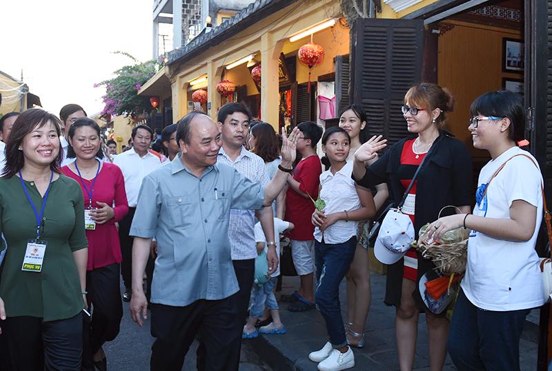 Thủ tướng cho rằng, làm du lịch phải có lòng mến khách. Ảnh VGP/Quang Hiếu