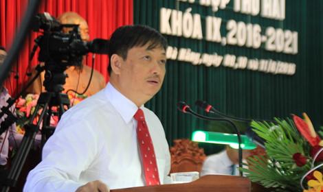 Phó chủ tịch UBND TP Đà Nẵng Đặng Việt Dũng giải trình về ý định dời Trung tâm hành chính TP. Ảnh: LÊ PHI.