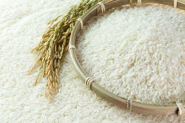 Nhiều mặt hàng nông sản của Việt Nam như gạo, sắn... gặp khó khi Trung Quốc tăng rào cản kỹ thuật, siết nhập qua đường tiểu ngạch