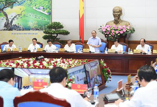 Thủ tướng Nguyễn Xuân Phúc yêu cầu TP Đà Nẵng xử lý sớm việc Trung tâm Hành chính thiếu dưỡng khí - Ảnh: Quang Hiếu