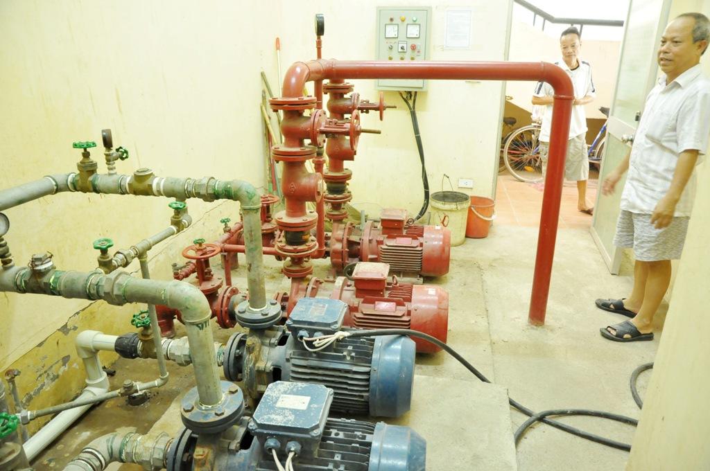 Máy bơm nước cứu hỏa cũng trong trạng thái không có nước từ ngày chung cư đi vào hoạt động. Trường hợp có cháy, người dân chung cư sẽ gặp nhiều nguy hiểm.