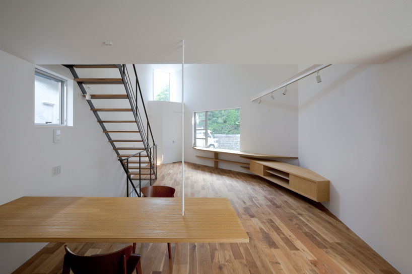 Nội thất đơn giản để tiết kiệm phần lớn không gian.