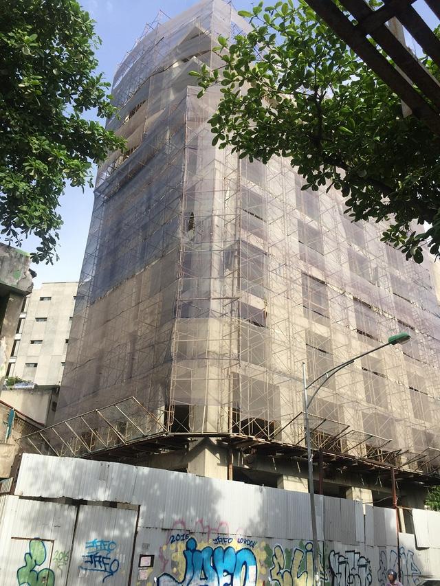 Hiện người dân quận Ba Đình đang rất mong các cấp chính quyền vào cuộc để dự án có thể nhanh chóng hoàn thiện trả lại vẻ đẹp cho khu phố cổ lịch sử.
