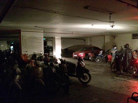 Tầng hầm để xe đã được cắt điện trong việc chế tài chủ đầu tư chung cư