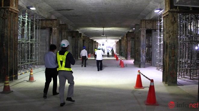 Hiện nhiều phần tại đây đã được thi công thô từ đó người xem cơ bản định hình được nhà ga trong tương lai.