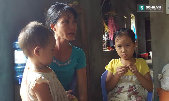 Một nách nuôi 3 đứa con, chị Soi đã vô cùng vất vả.