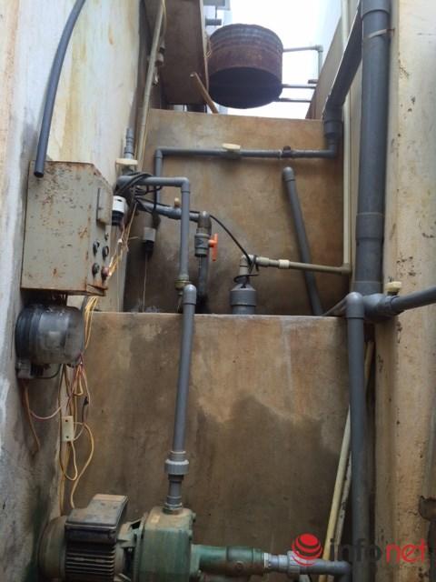 Hệ thống nước lọc giếng khoan được một hộ dân bỏ tiền đầu tư và đang cứu nguy cho khoảng 30 hộ khác có nước dùng tạm. Ảnh: Minh Thư