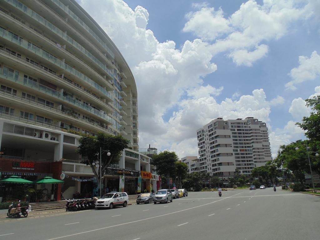 Nhiều căn hộ cao cấp của KĐT Phú Mỹ Hưng cũng không tránh khỏi mùi hôi thối tấn công