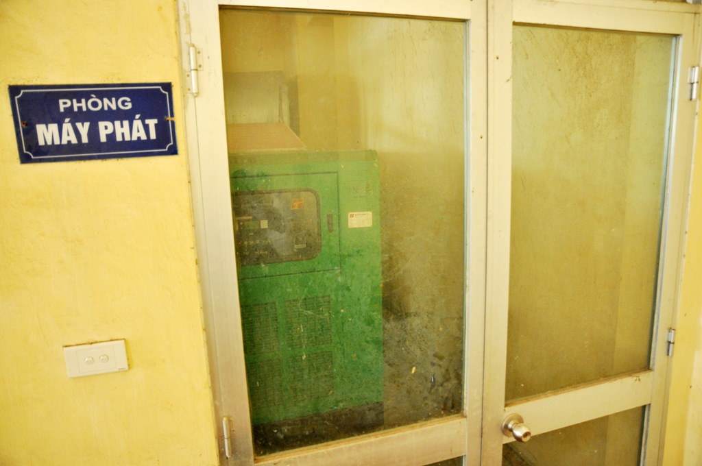 Theo người dân, máy phát điện sử dụng cùng với thang máy chưa một lần hoạt động từ ngày chung cư đi vào hoạt động.