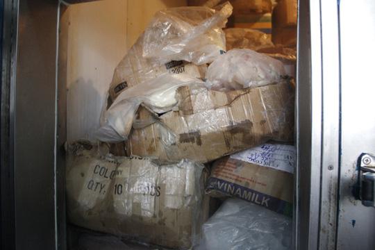 Mỗi ngày kho đông lạnh bán ra thị trường hàng trăm ký lô hải sản không rõ nguồn gốc