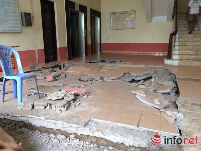 Sụt lún sảnh tòa nhà N5 khu Đồng Tàu vừa xảy ra tối 12/8.