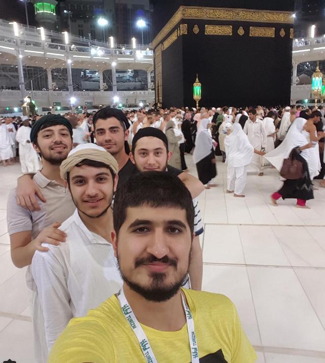 Việc đứng lại chụp selfie có thể gây ra tắc nghẽn rất nguy hiểm.