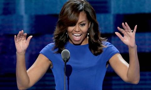 """Bà Michelle Obama: Đừng để bất cứ ai nói với bạn, đất nước này không vĩ đại và bằng cách nào đó chúng ta cần phải đưa nó trở lại vĩ đại bởi vì ngay hiện nay Mỹ là nước nước vĩ đại nhất trên hành tinh"""". Ảnh: Alex Wong/Getty Images."""