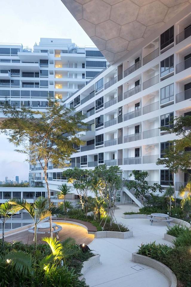 Hiện nay, tổ hợp chung cư The Interlace được xem là biểu tượng của kiến trúc chung cư ở Singapore.