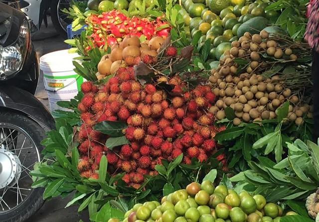 Chôm chôm nhãn ở Hà Nội được bán với giá 80.000-90.000 đồng/kg