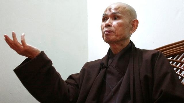 Thiền sư Thích Nhất Hạnh trong một lần phỏng vấn. (Ảnh: CBC)