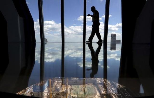 Đầu tư theo cảm tính khiến nhiều người nổi tiếng và giàu có rơi vào tình trạng nợ nần. Ảnh: Reuters.
