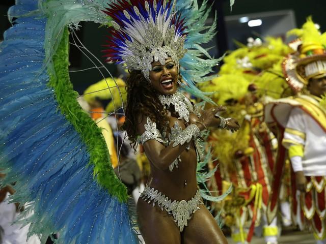 Nhắc đến Brazil không thể không nói đến lễ hội đường phố Carnival sôi động, nổi tiếng nhất thế giới.