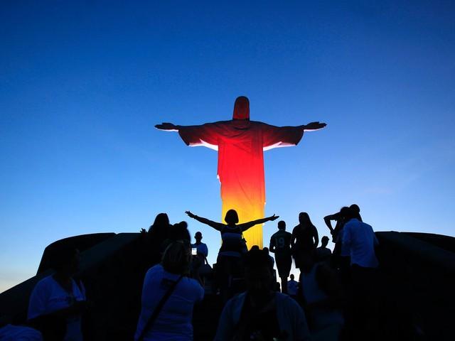 Bức tượng Chúa Kitô Cứu Thế là biểu tượng mang tính văn hóa của cả thành phố Rio de Janeiro.