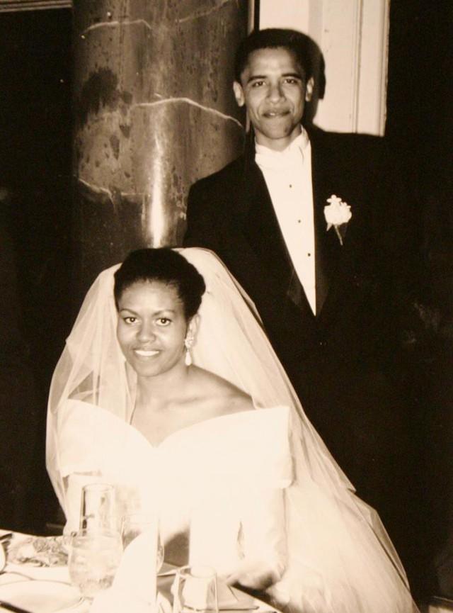 Ảnh cưới của Barack Obama và Michelle Obama, 18 tháng 10 năm 1992.