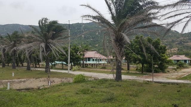 Những dự án resort bỏ hoang tàn trên bãi biển Cà Ná