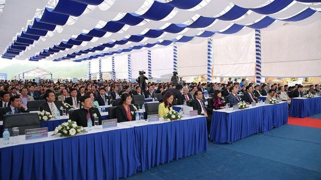Hơn 1.000 đại biểu và quan khách tham dự Lễ khởi công.