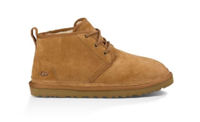 Cẩn thận trước nguy cơ nhiễm nấm khi đi bốt lông, giày lót da cừu.