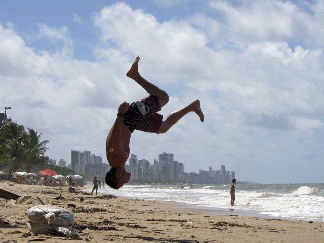 Recife, thành phố phía đông bắc Brazil là nơi có bãi biển hút hồn nhất Nam Mỹ: Boa Viagem.