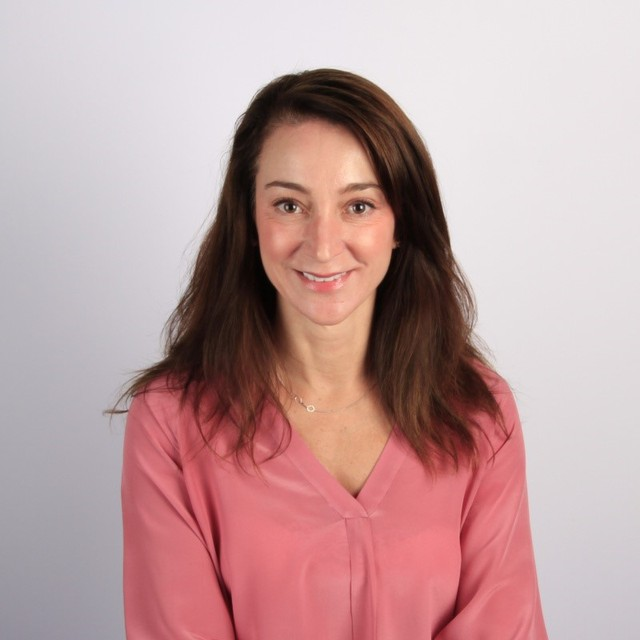 Ana Recio, phó chủ tịch cấp cao của công ty toàn cầu Salesforce. Ảnh: business.linkedin.com.