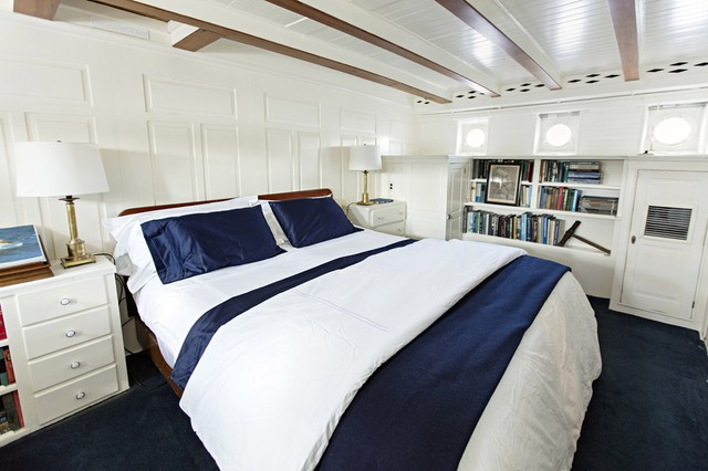 Phòng ngủ sang trọng với thiết kế ấn tượng trên du thuyền.