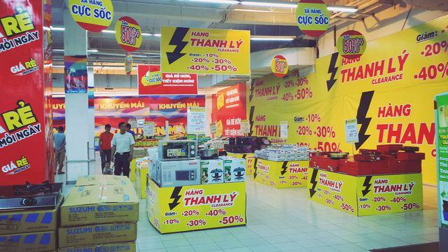 Một cửa hàng điện máy thay thế vị trí của cửa hàng Thế giới di động tại BiG C Thăng Long, Hà Nội. Ảnh: Hà My