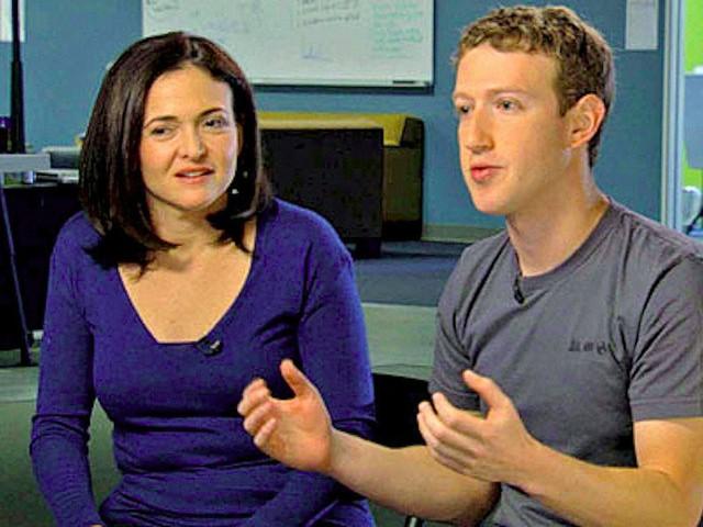 Quá trình chiêu mộ nhân tài tiếp tục được Zuckerberg thực hiện nhằm tạo ra một bộ máy hoàn hảo cho Facebook. Năm 2008, Zuckerberg thuyết phục Sheryl Sandberg, giám đốc điều hành của Google về làm Giám đốc điều hành Facebook.