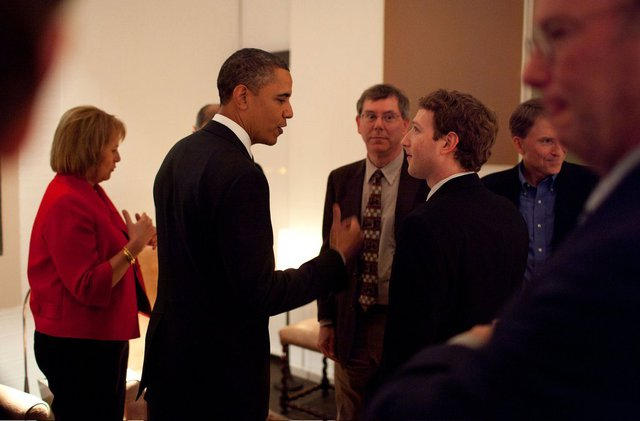 Những thành công liên tiếp tới với Zuckerberg trong những năm sau đó. Chàng trai trẻ còn được vinh dự gặp Tổng thống Mỹ Barack Obama và nói chuyện về tác động của Internet, mạng xã hội tới xu thế toàn cầu.