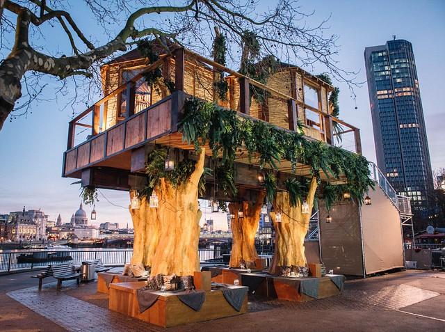 Ngôi nhà trên cây được lấy cảm hứng từ thiên nhiên hoang dã châu Phi vừa khai trương tại bờ Nam sông Thames.